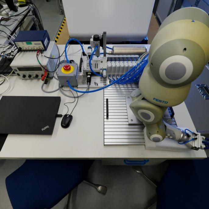 Versuchsaufbau: Festo Roboter