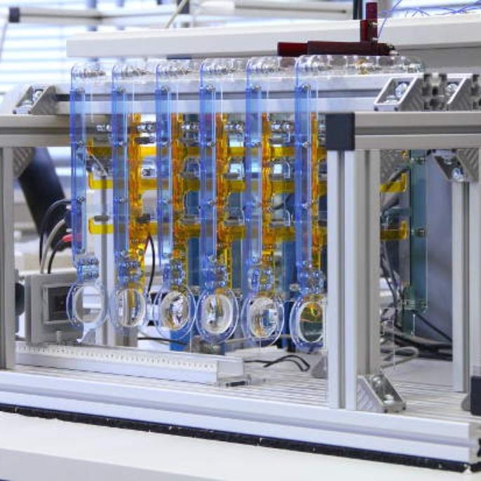 Regelung dynamisch-optischer Systeme